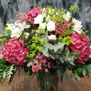 Hortensias y lisianthus